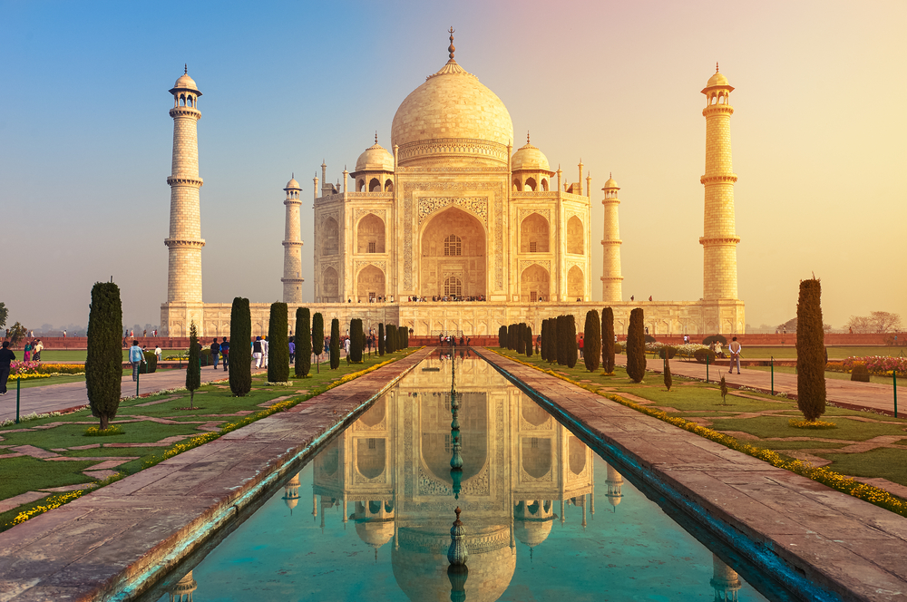 Indienreise finanzieren - so kann man das Taj Mahal bewundern