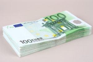 9000 euro kredit bis 144 monate laufzeit ab 91 euro im monat. Black Bedroom Furniture Sets. Home Design Ideas